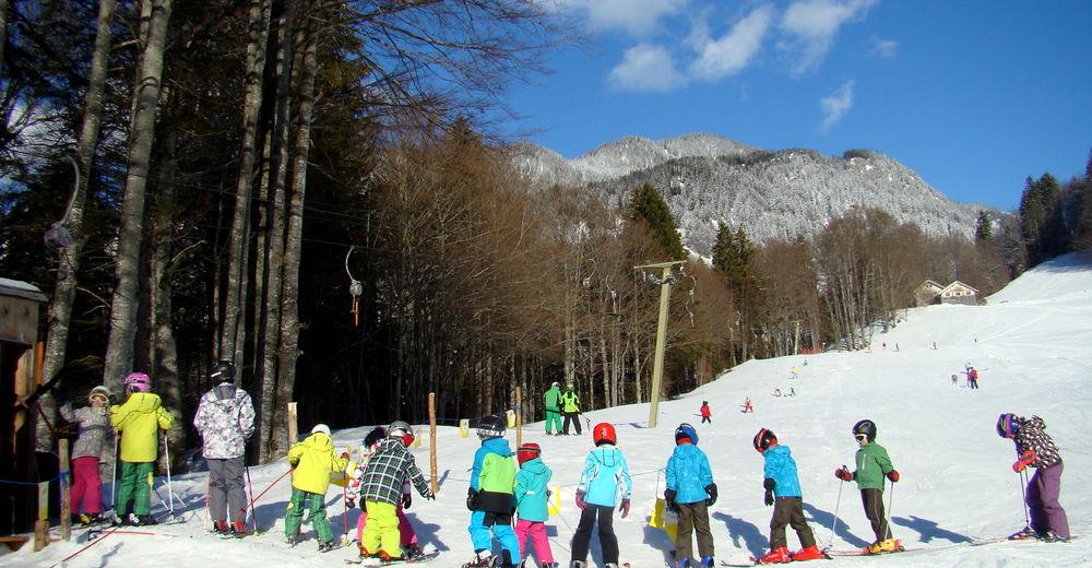 Planul pistelor Zonă de schi Skilift Hütten Hirschberg Bizau